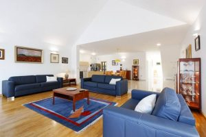Living room and kitchen   Villa Župa